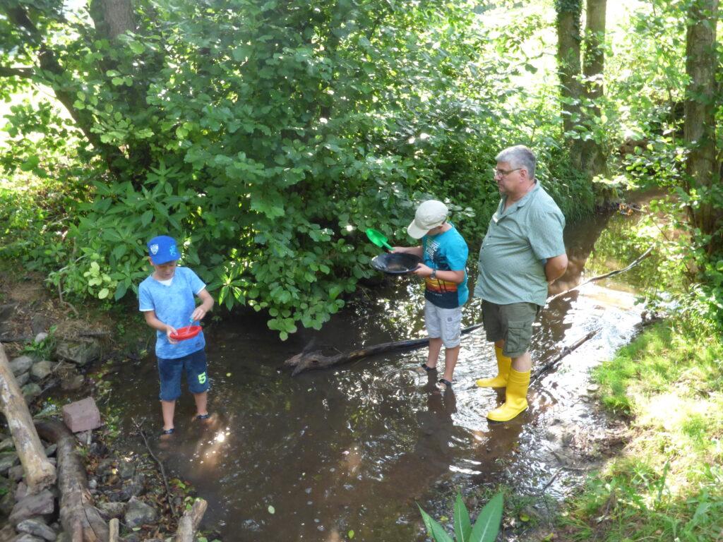 In den Ferien für Entdecker des Statdjugendring Wertheim e.V: können Kinder vieles ausprobieren